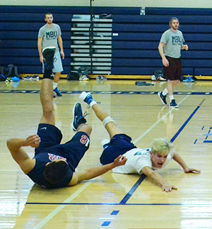 4-20-16,LynnTyler,VolleyballDive